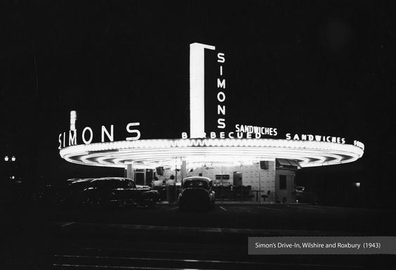Simon's Drive-In at Wilshire Blvd and Roxbury Dr., Beverly Hills, 1943
