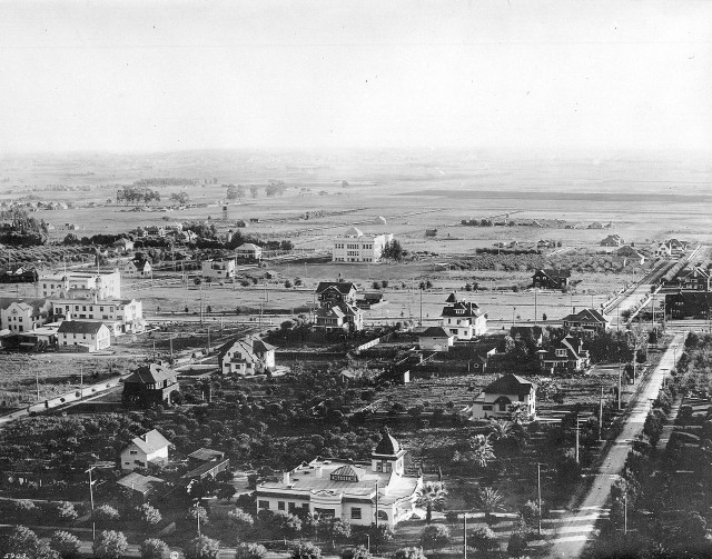 Hollywood Blvd and Orange Drive, Hollywood, 1905