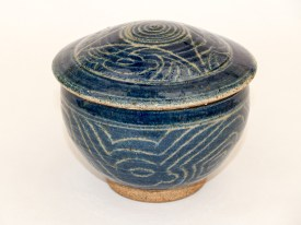 Lidded bowl with sgraffito decoration through blue slip, wood ash glaze, Martin Tyler 2018