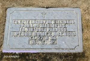 Placa retirada por el Ayuntamiento de Salvatierra de los Barros.
