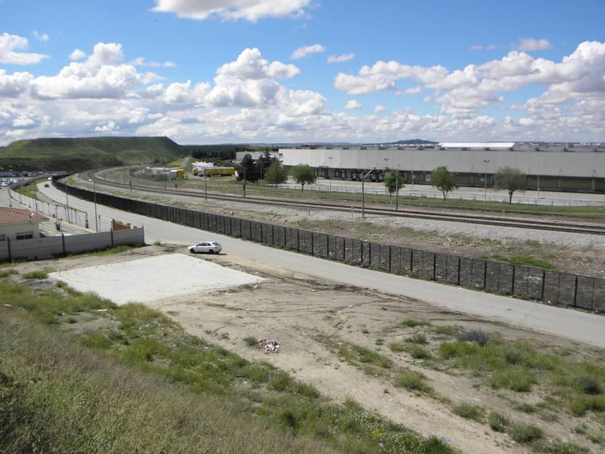 Vía por la que llegó el Tren de la Muerte. La matanza tuvo lugar en el lado del CTM (Centro de Transportes de Madrid).