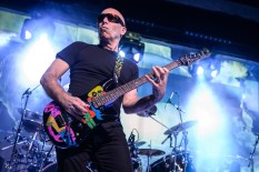 Joe Satriani-18