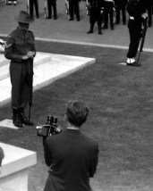 L43777 Cameraman and soldier