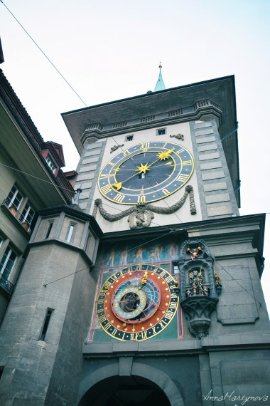 Einstein clock