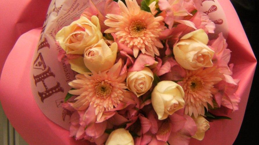 結婚記念日に花を贈ろう!!