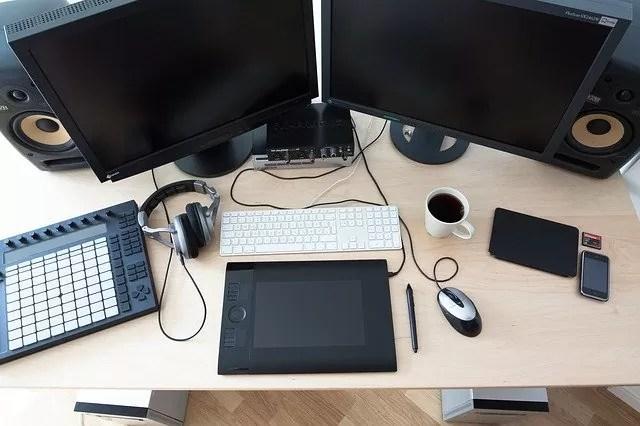 オフィスでのPC関連ケーブル類の貸し出しのお知らせ