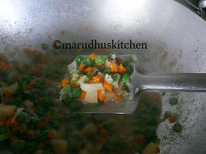 chettinad vellai kurma /mixed vegetable korma