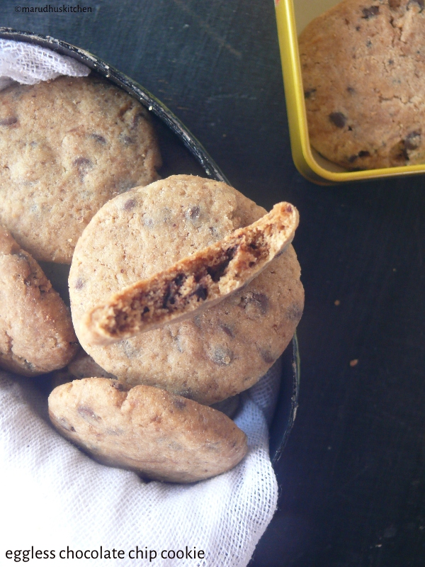easy eggless chocolate chip cookies /marudhuskitchen