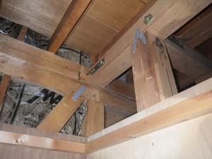 天井点検口から小屋組の確認