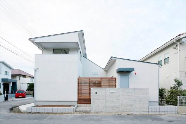 2つの中庭を囲む家