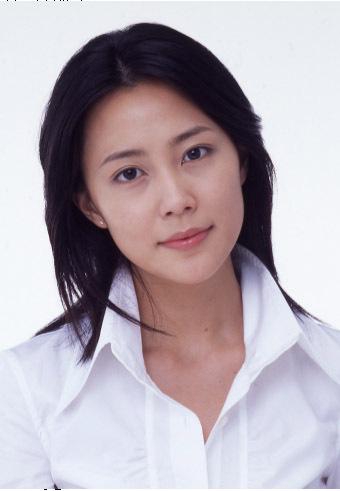 白シャツの木村佳乃