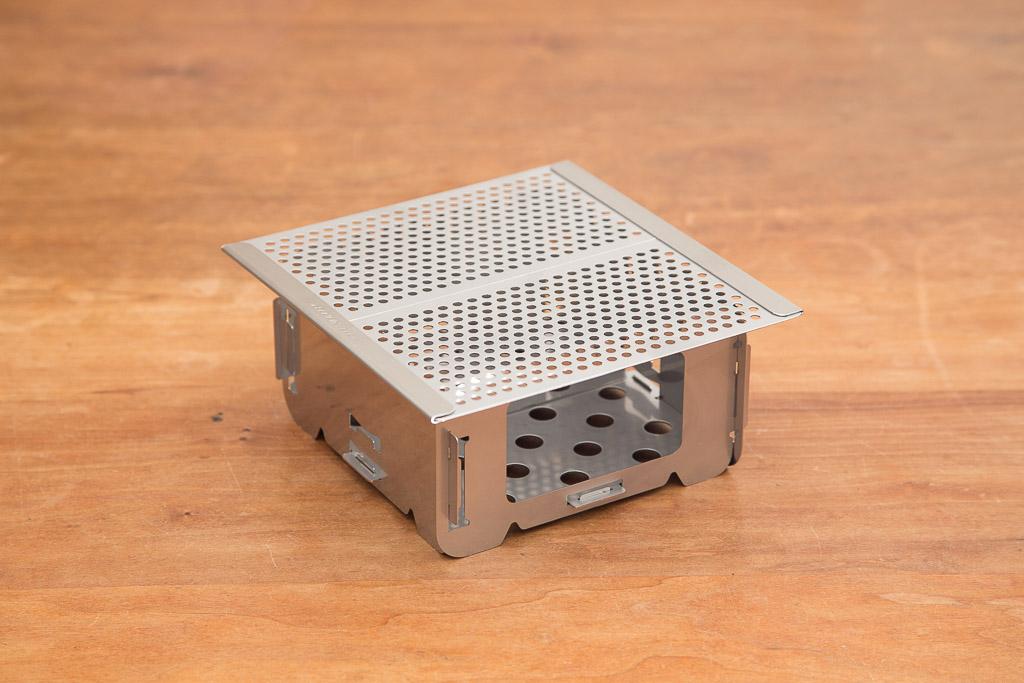 テトラストーブと組み立て式焼き網