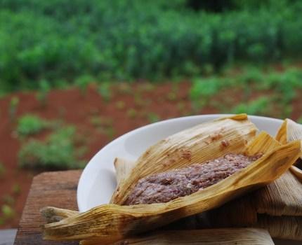 紫トウモロコシの伝統菓子作り