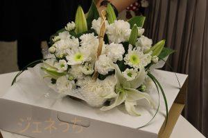 箱から出したお花、型に収まっています