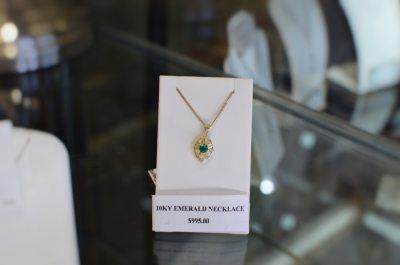 emerald-necklace-thunder-bay-jewllery