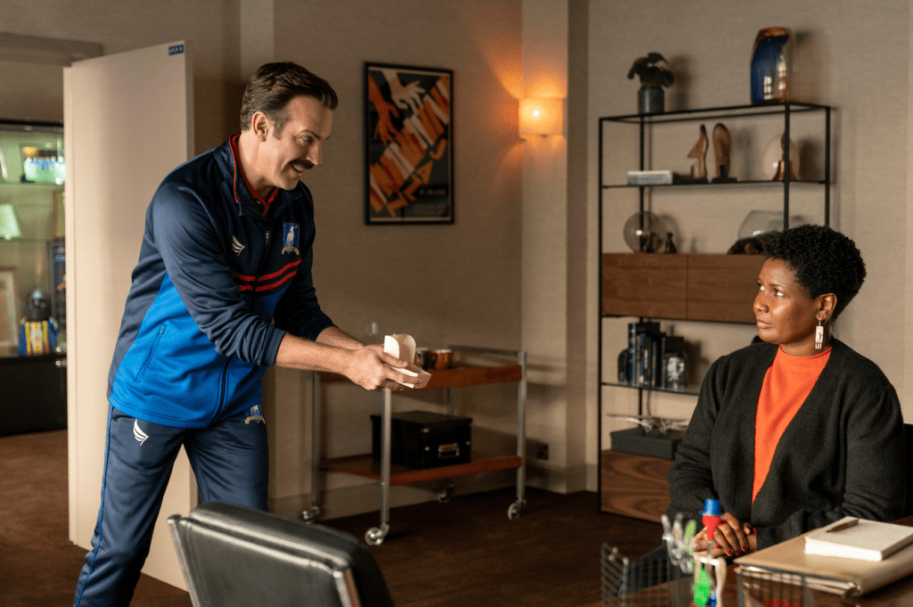 """Jason Sudeikis and Sarah Niles in """"Ted Lasso"""" season two, now streaming on Apple TV+. Episode: """"Lavender"""""""