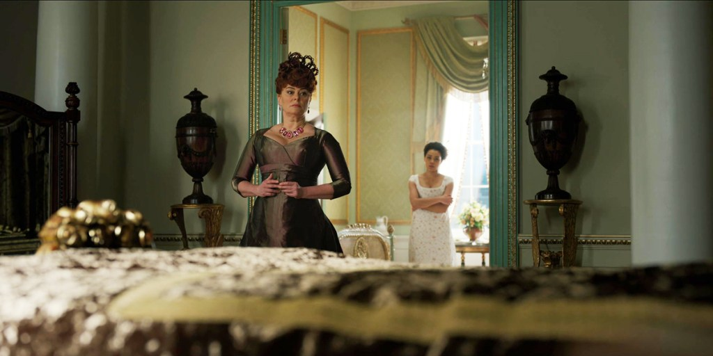 """Polly Walker as Portia Featherington and Ruby Barker as Marinna Thompson in Bridgerton's """"After the Rain"""""""