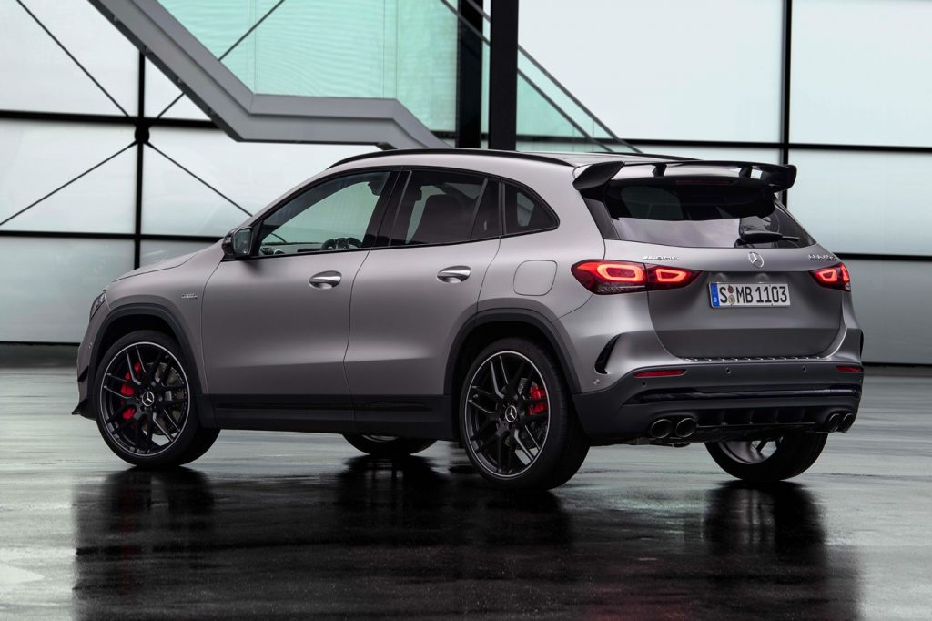 With its debut planned for the upcoming Geneva Motor Show, Mercedes-AMG has now unveiled the 2021 edition of its GLA 45 crossover ahead of the event, and its specs are certainly impressive. Carrying one of the most powerful turbo four-cylinder engines ever created, the S version of the car can