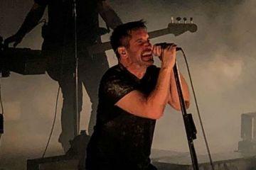 Nine Inch Nails Black Mirror playera