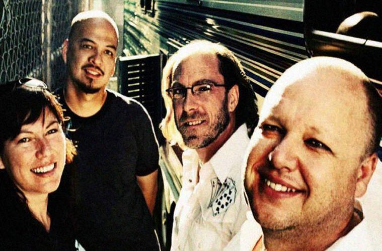 Pixies nuevo álbum sencillo Graveyard Hill Beneath the Eyrie