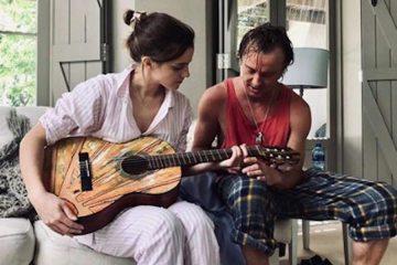emma watson foto tom felton guitarra pijama malfoy 2019