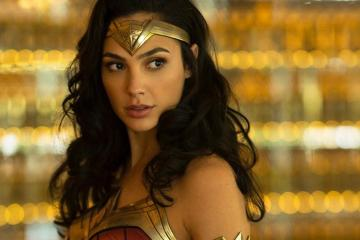 Nuevo traje Wonder Woman 1984