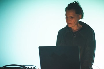 HERTZflimmern presenta a Electric Indigo, resom y Ena Lind