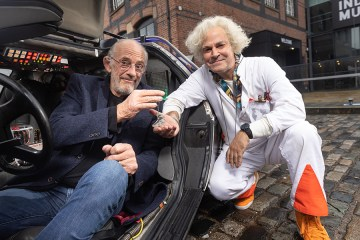 back to the future the musical nueva obra christopher lloyd