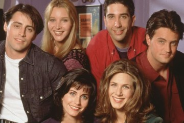 friends-reunion-pospuesta