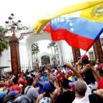 Bolivarians_taking_over_parliament_-_Henry_Tesara_AVN
