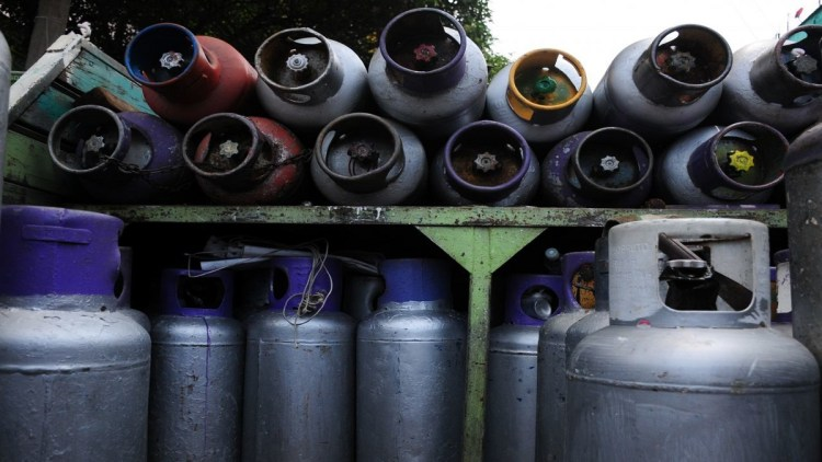 CIUDAD DE MÉXICO, 02AGOSTO2021.- A partir de este domingo y hasta el sábado 7 de agosto, el precio del gas Licuado de Petróleo (Gas LP) tendrá un costo de 21.30 pesos por kilo, esto después de que la Comisión Reguladora de Energía (CRE) estableció una regulación de precios pque cambiará semanalmente y variará según la región del país. FOTO: DANIEL AUGUSTO /CUARTOSCURO.COM