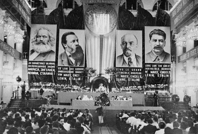 Κόκκινος Στρατός - εκκαθαρίσεις - Στάλιν και Σταλινισμός