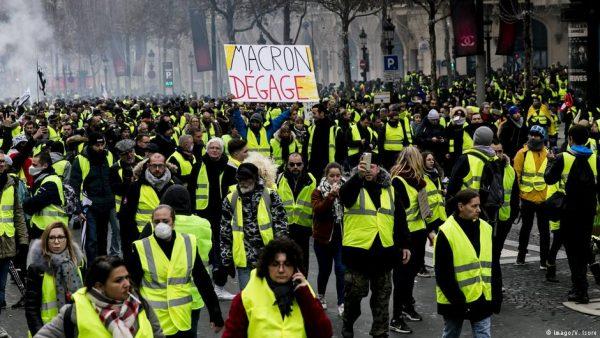Γαλλία : Μετά από πέντε εβδομάδες διαδηλώσεων, πού βαδίζουν τα κίτρινα γιλέκα;