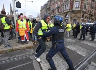Γαλλία: Η εργατική τάξη θα κρίνει τη μάχη