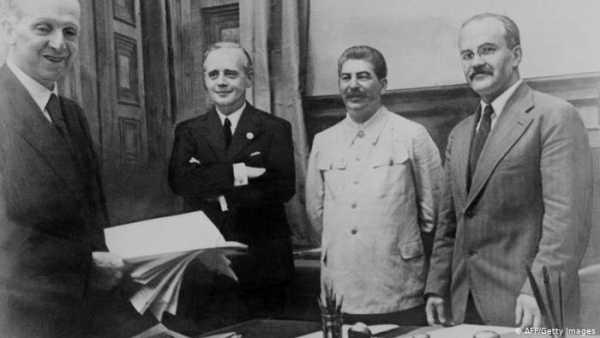 Σύμφωνο μη επίθεσης, Ρίμπεντροπ-Μολότοφ, Χίτλερ-Στάλιν, ναζιστική Γερμανία, Σοβιετική Ένωση