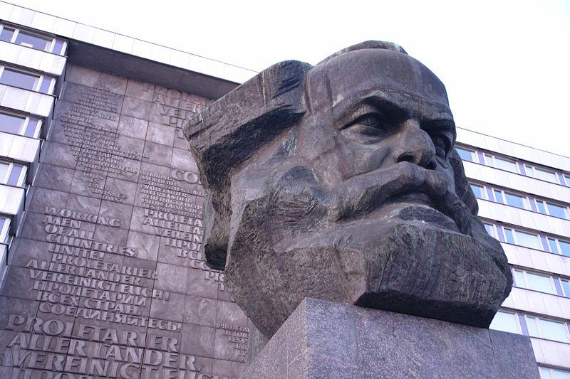 800px-Chemnitz-Marx-Monument