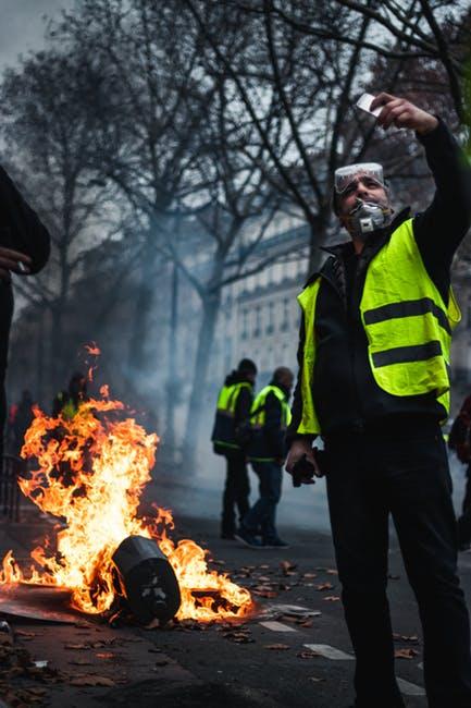 Scosse alle fondamenta (appunti su Francia, Gilet gialli ed Europa)