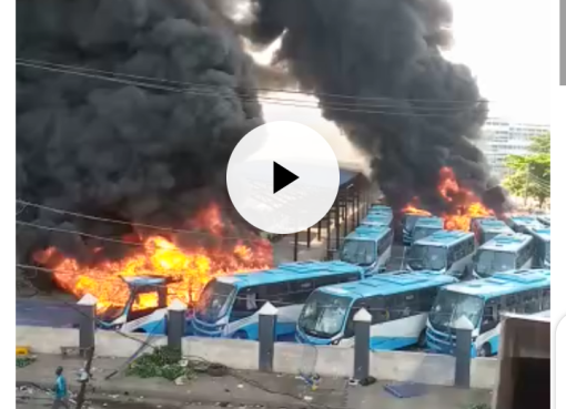 #ENDSARS: Angry youths storm BRT Oyingbo station, set vehicles ablaze (Video)