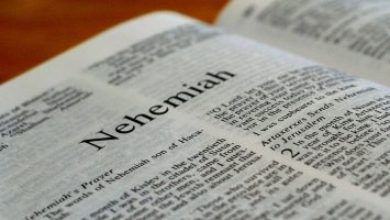 Book of Nehemiah, Bible Reading