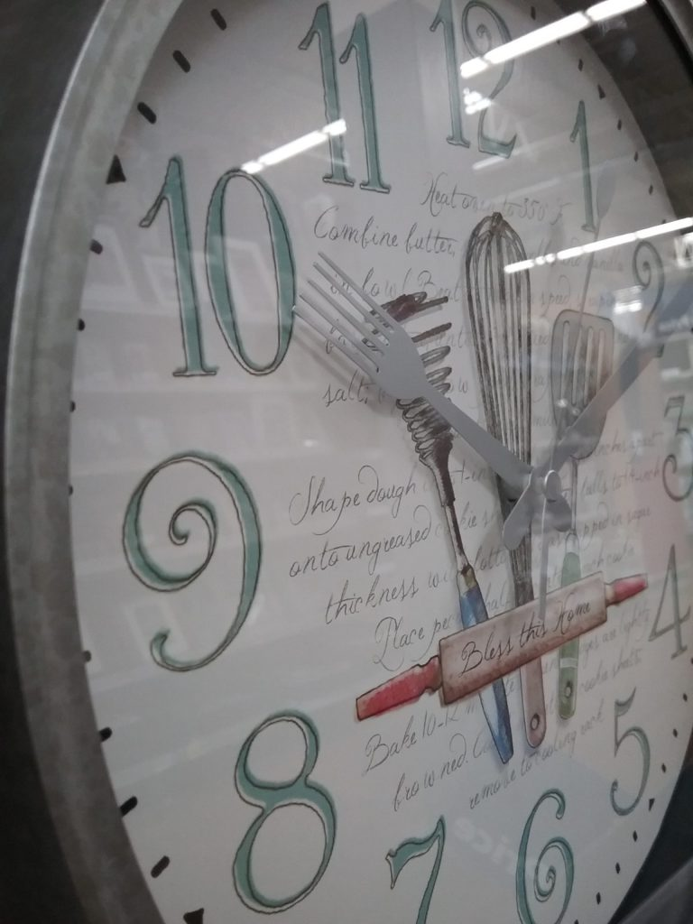Clock with utensils suitable for making breakfast in bed, 2018.