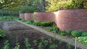 crinkle-crankle ribbon-like brick wall at Stevens Coolidge Place