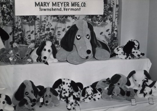 Mary Meyer Toy Show Display 1950s