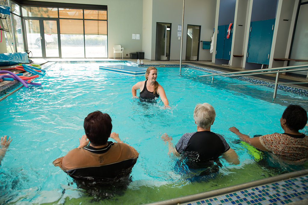 Maryna Wessels Physiotherapy Aqua Group class peddling water