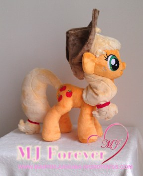 Applejack plushie by meeeeeeee!!!!!!
