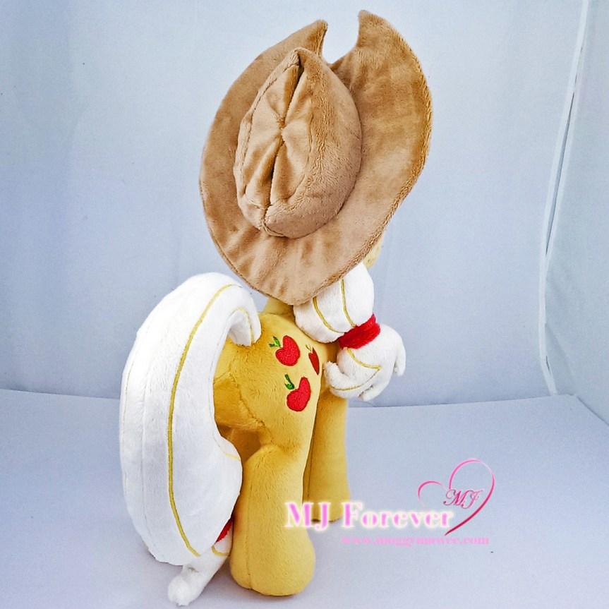 Applejack plushie sewn by meee!!!