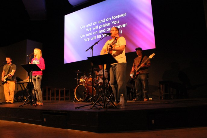 worship team at Maryville Vineyard