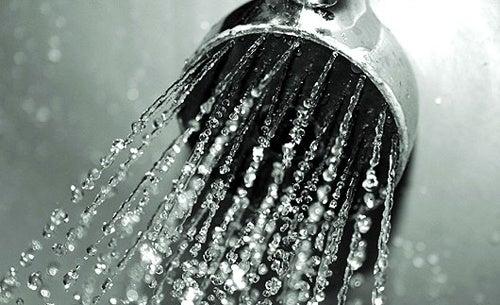 Ducharse-con-agua-fria-500x305