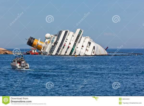 costa-concordia-cruise-ship-después-del-naufragio-36254022