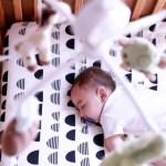 寝る子は育つ?本当に効く寝かしつけ法とは?