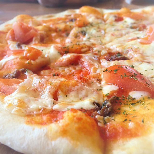 COVO フレッシュトマトとアンチョビのピッツァ